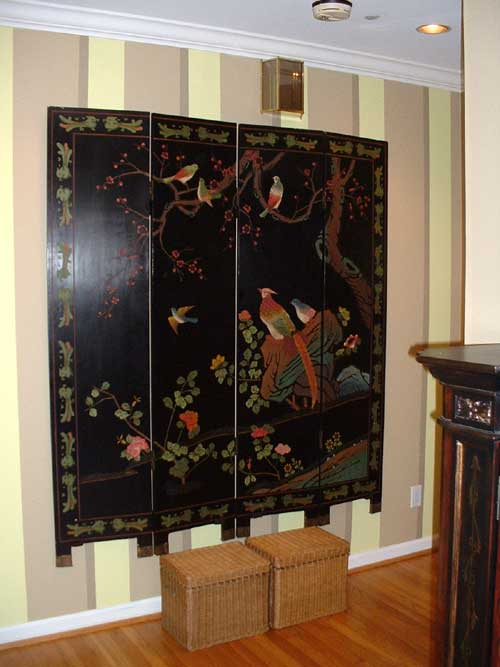 How To Hang A Folding Oriental Decorative Screen On The